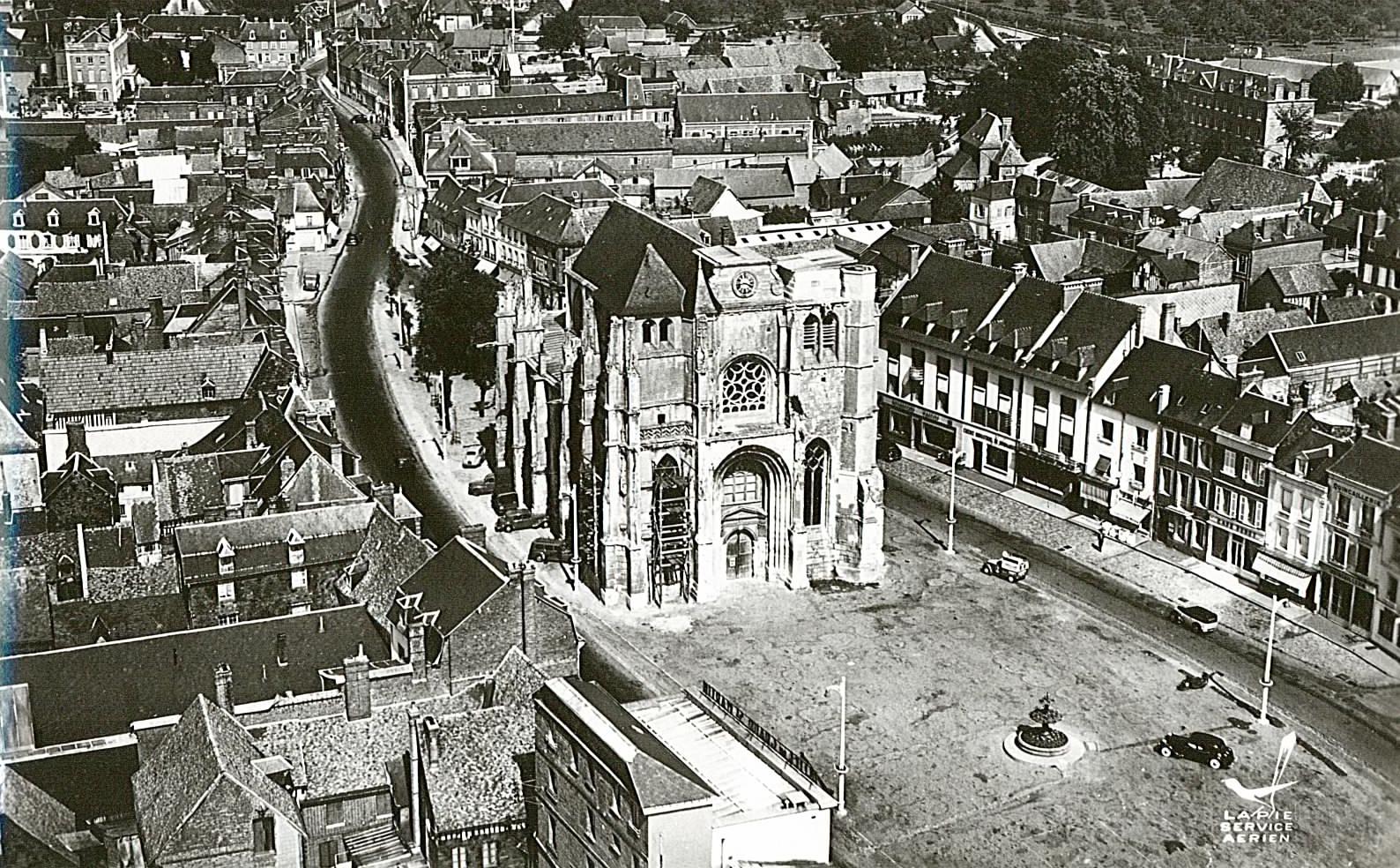 Eglise Le Neubourg vue du ciel