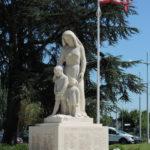 Monument aux morts Le Neubourg