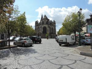 Place Gambetta Le Neubourg